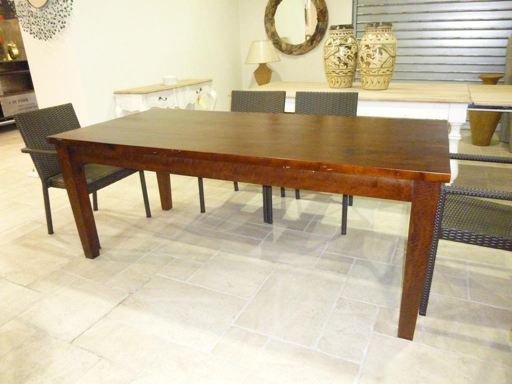Table unikat tables de salle manger et mobilier sur for Mobilier de france table salle a manger