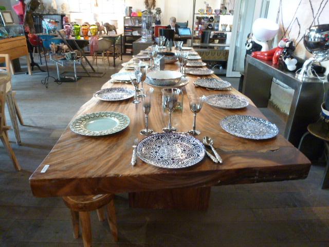Table en suar tables de salle manger et mobilier sur for Table cuisine bois exotique