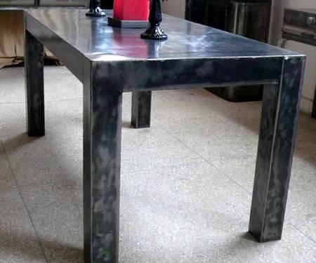 TABLE ARMANI, Tables de salle à manger et Mobilier sur Galerie démesure