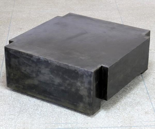 table basse armani tables basses et mobilier sur galerie d mesure. Black Bedroom Furniture Sets. Home Design Ideas